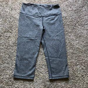 VS Knockout Crop workout leggings-size Small